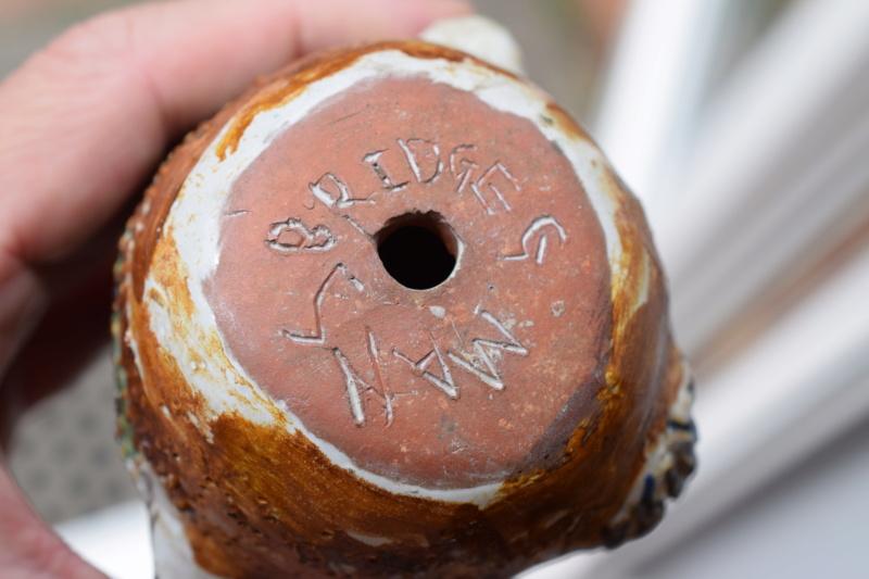 Unknown pottery owl, Bridge G Mans  Dsc_0131