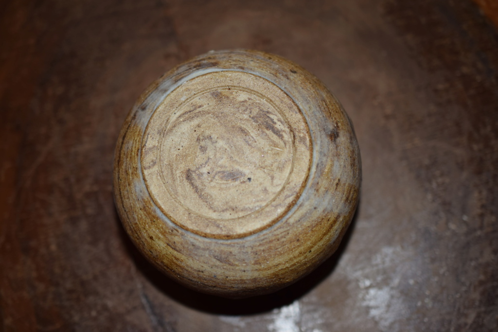 Unknown POTTERY mark?? Dsc_0235