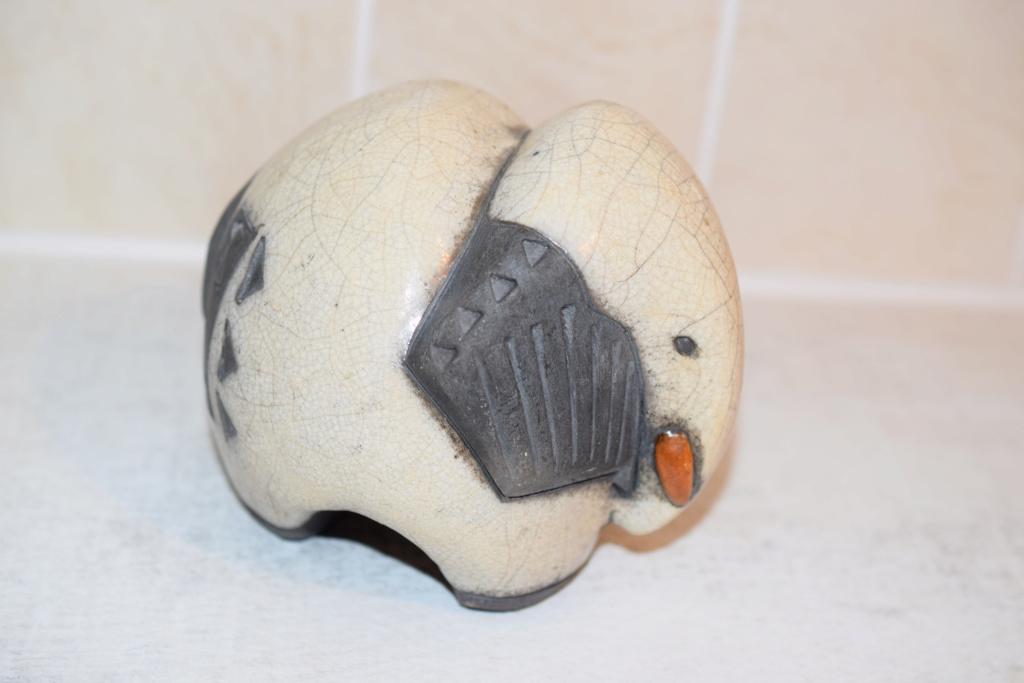 Pottery elephant- unknown maker Dsc_0326