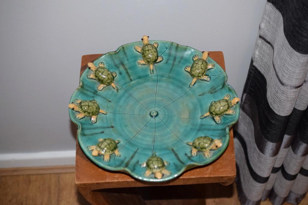 Large pottery turtle dish- unknown maker  Dsc_0528