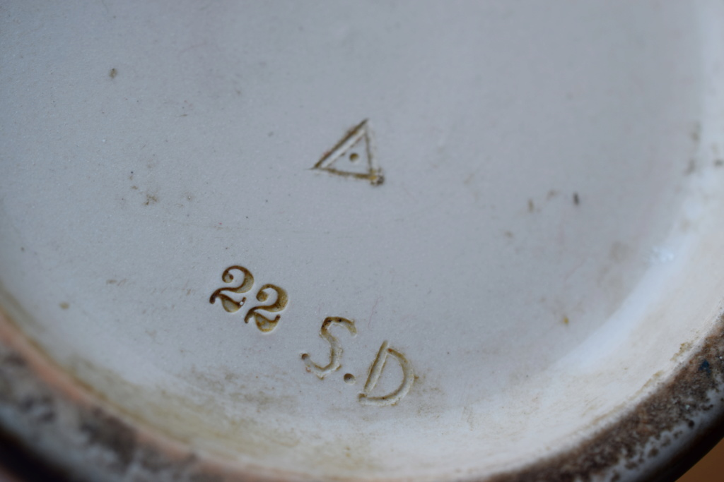 doulton lambeth artists monograms S.D Dsc_0618