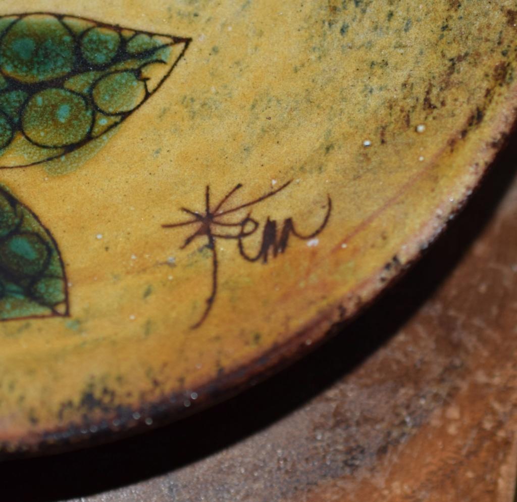 Chelsea pottery artist marks??Is it Joyce Morgan art ?? Dsc_0815
