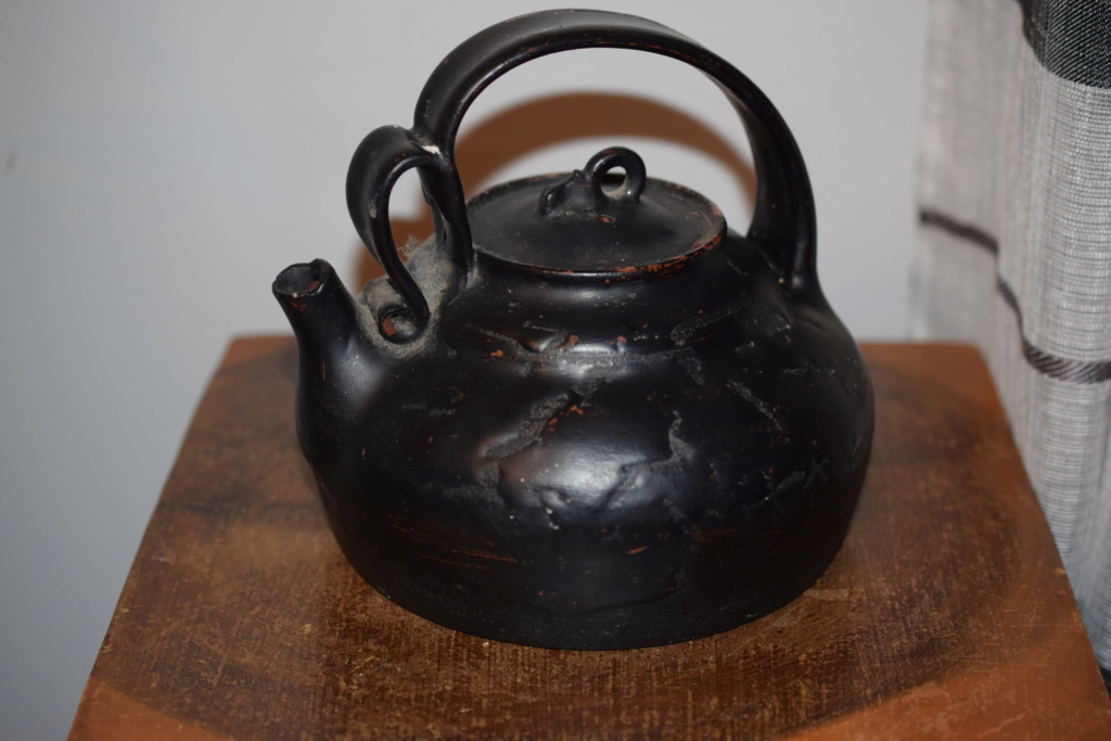 Old pottery teapot Dsc_0915