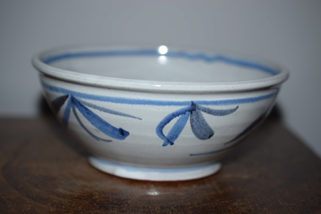 Pottery bowl -unknown mark Dsc_1110