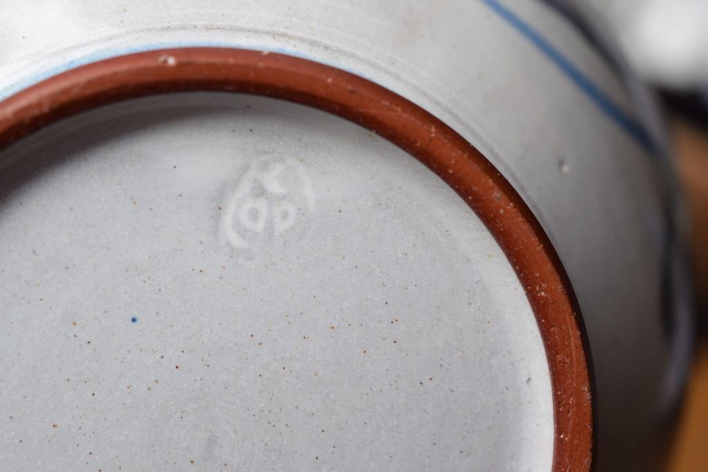 Pottery bowl -unknown mark Dsc_1112