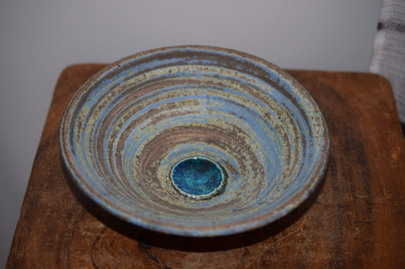 Unmarked studio pottery bowl with blue glass pool Dsc_1138