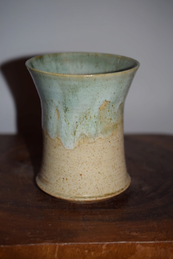 Vase, HM mark - Mary Halliday pottery Dsc_1820