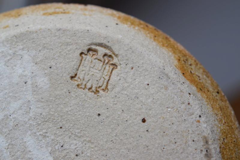 Vase, HM mark - Mary Halliday pottery Dsc_1822