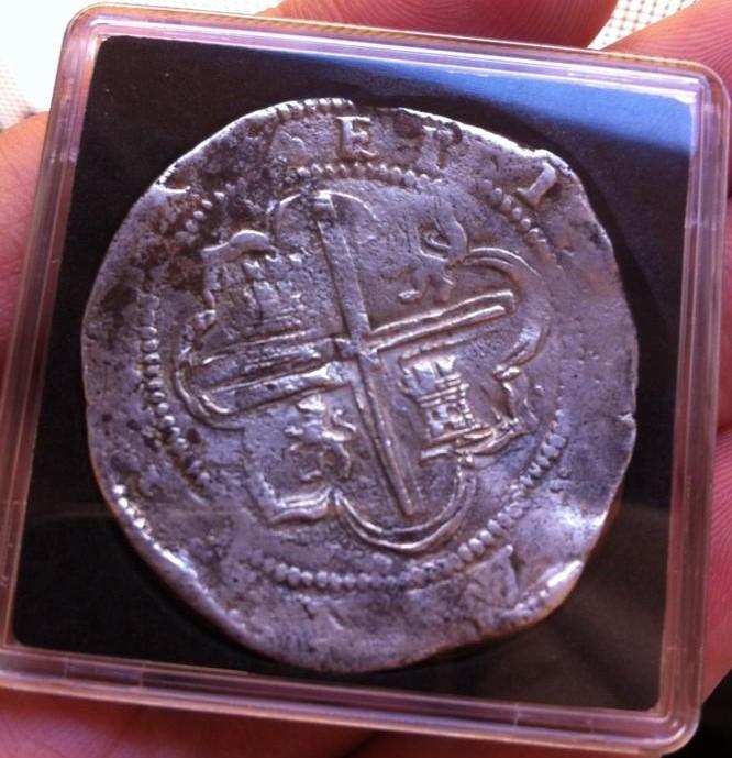 8 Reales Felipe II- Ceca de Potosí ( P) , ensayador  Juan Ballesteros Narváez (B.)  sin fecha( s/f.) Averso10
