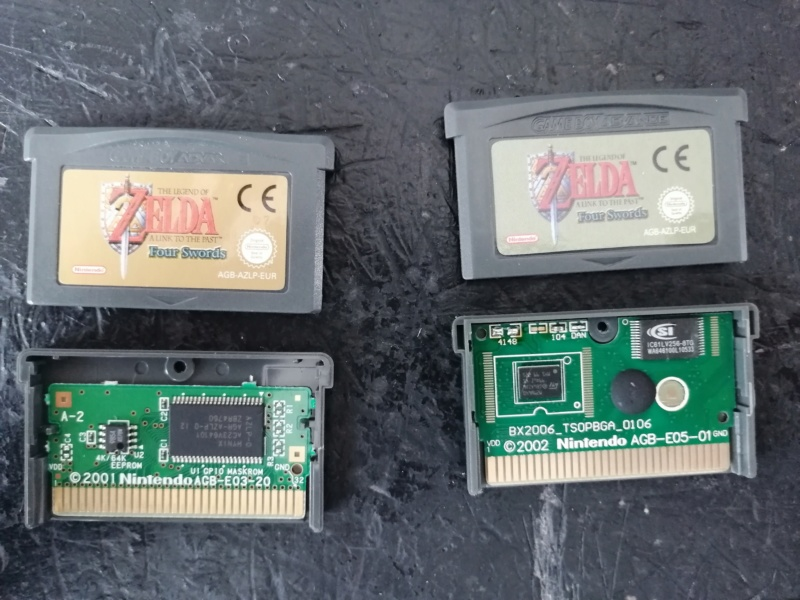 2 versions de zelda four sword sur gba ? Img_2010