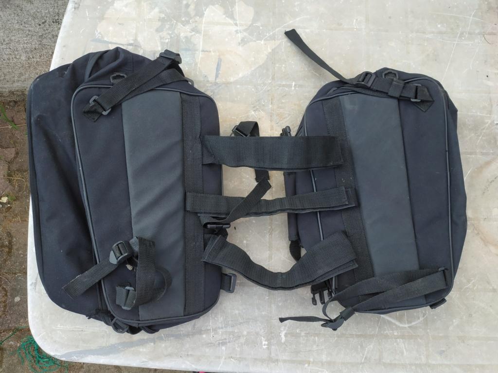 sacoches latérales adaptables Img_2013