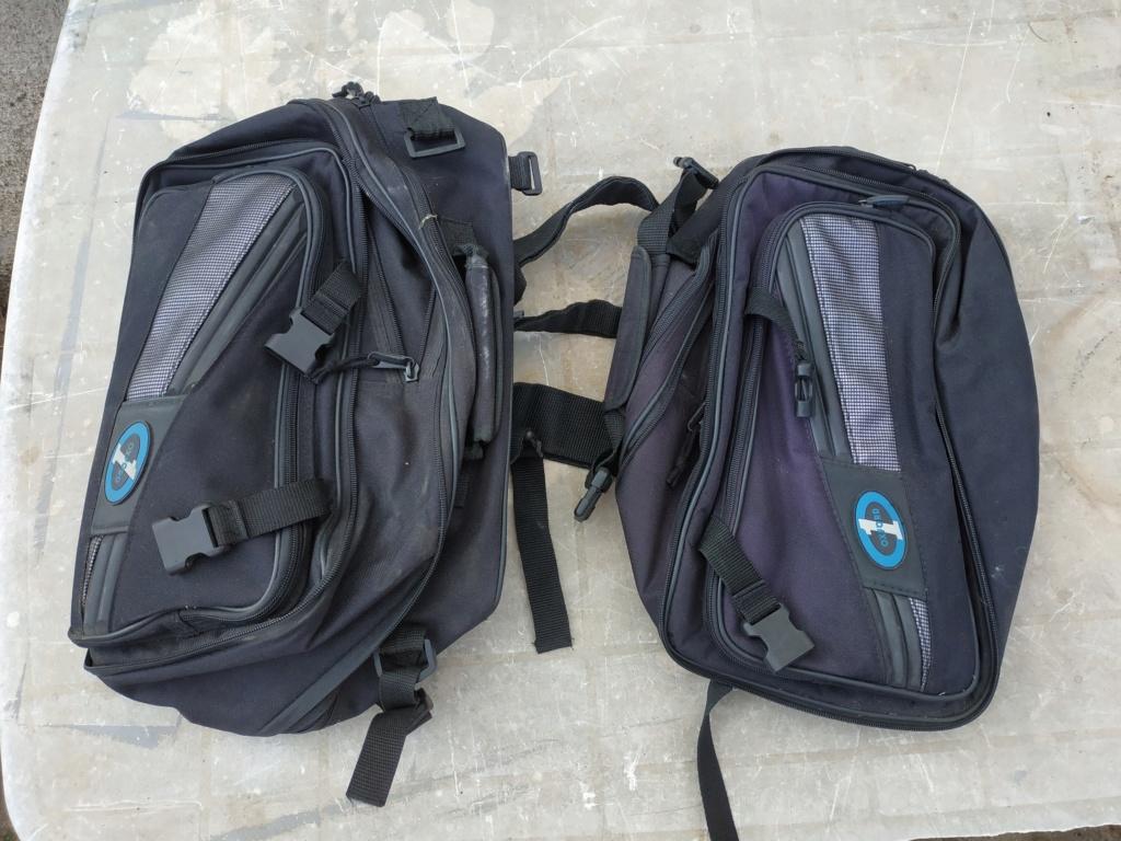 sacoches latérales adaptables Img_2015