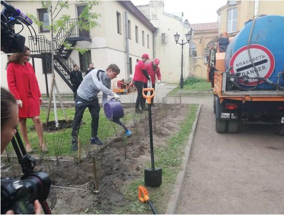 Активисты Центра общественного контроля и Андрей Аршавин провели благотворительную акцию 110
