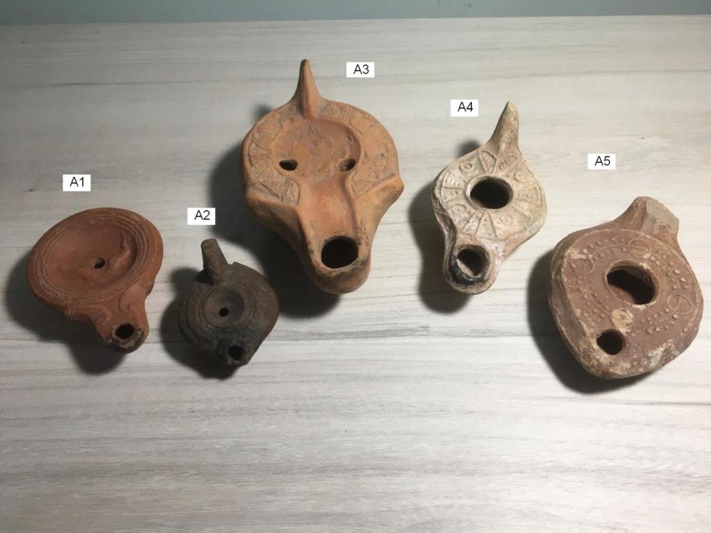 Señales de antigüedad en las lucernas Colecc10