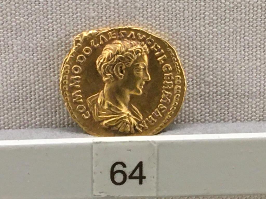 Sala numismatica Museo Nacional Romano en Palazzo Massimo (Alto Imperio), Roma Comodo10
