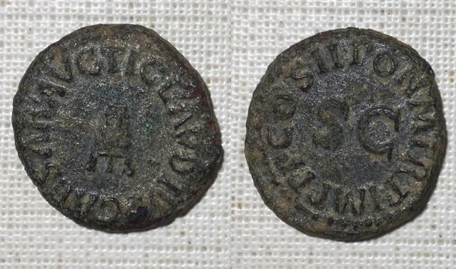 Cuadrante de Claudio I. Modio. PON M TR P IMP P P COS II alrededor de S C. Roma. Cuadra18