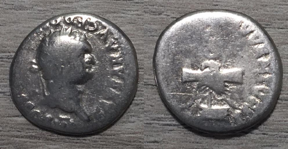 Denario de Domiciano, PRINCEPS IVVENTVTIS. Manos enlazadas y águila legionaria. Roma. Denari11