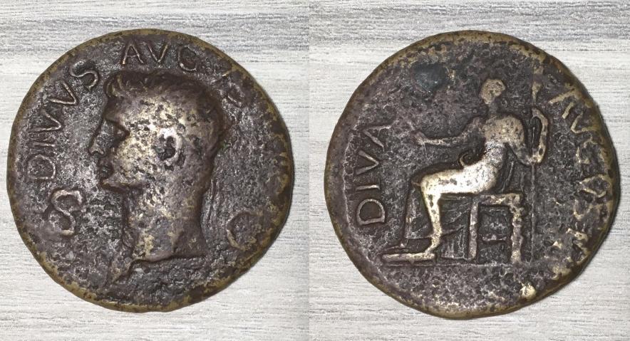 Dupondio de Claudio I. DIVA AVGVSTA. Livia sentada a izq. Roma Diva_a10