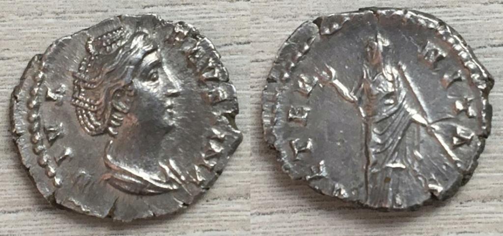 Denario de Faustina I, AETERNITAS. Juno? estante a izq, Roma. Fausti11
