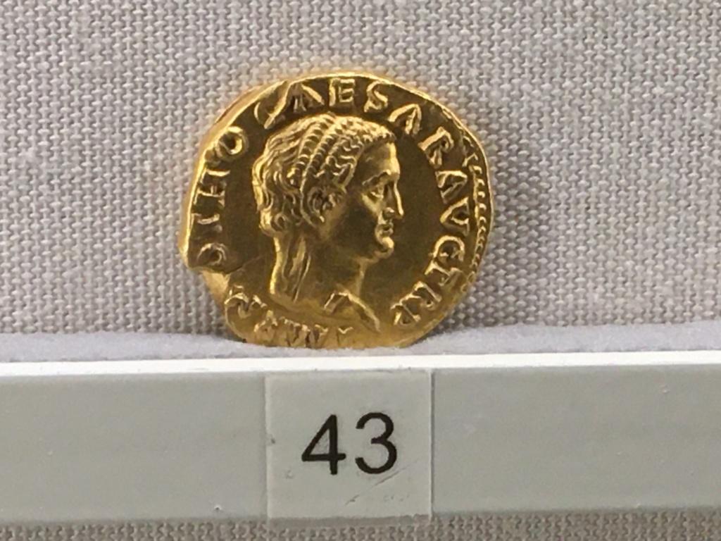 Sala numismatica Museo Nacional Romano en Palazzo Massimo (Alto Imperio), Roma Ff798b10