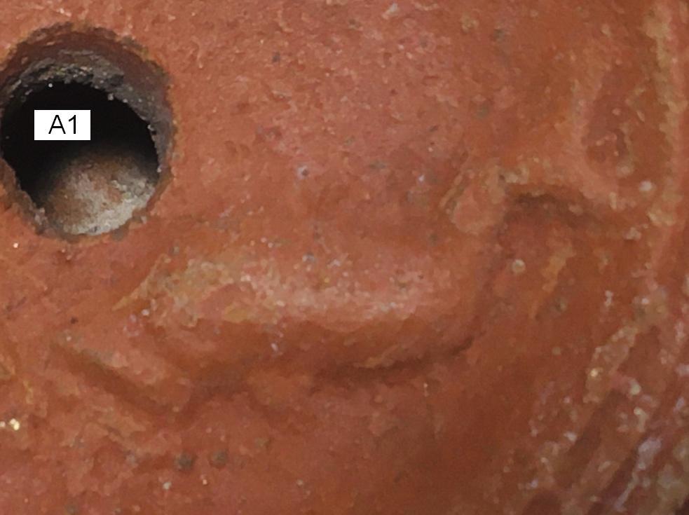 Señales de antigüedad en las lucernas Figura10