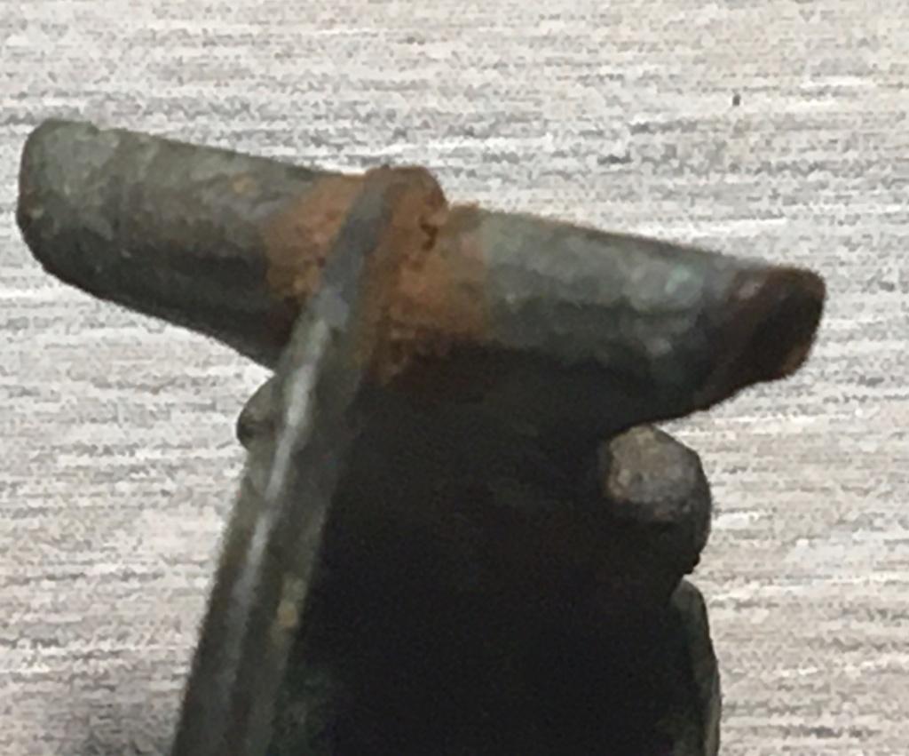 Pinchos originales en las fíbulas romanas Hod_hi10