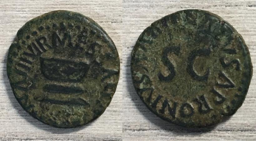 Cuadrante de Augusto, MESSALLA SISENNA III VIR / GALVS APRONIVS AAAFF, Roma, 9 aC. Messal10