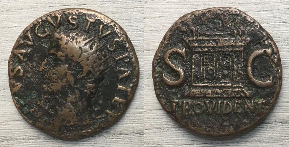 As de Tiberio, DIVVS AVGVSTVS PATER / PROVIDENT SC, Roma 22-30 dC. Tiberi12