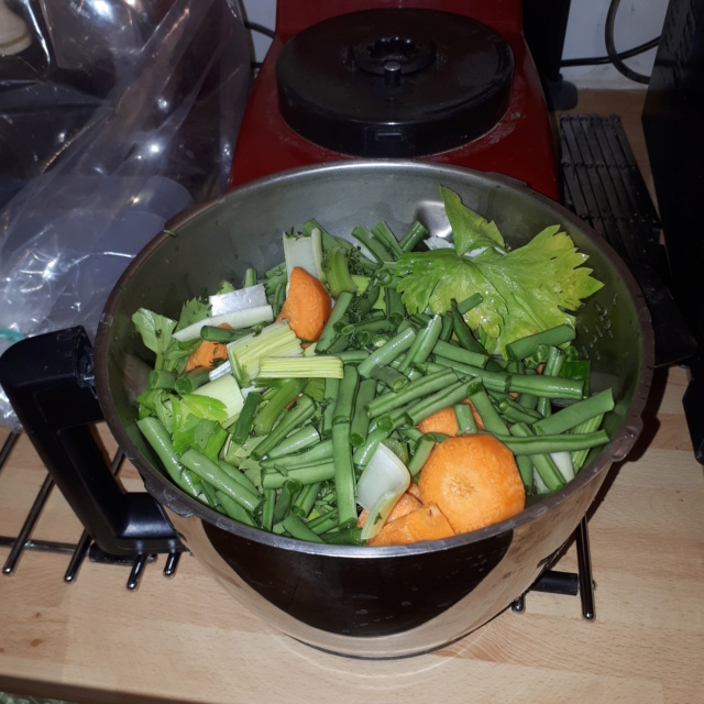 Voici ma soupe velouté à manger tiède ce soir *** 20190659