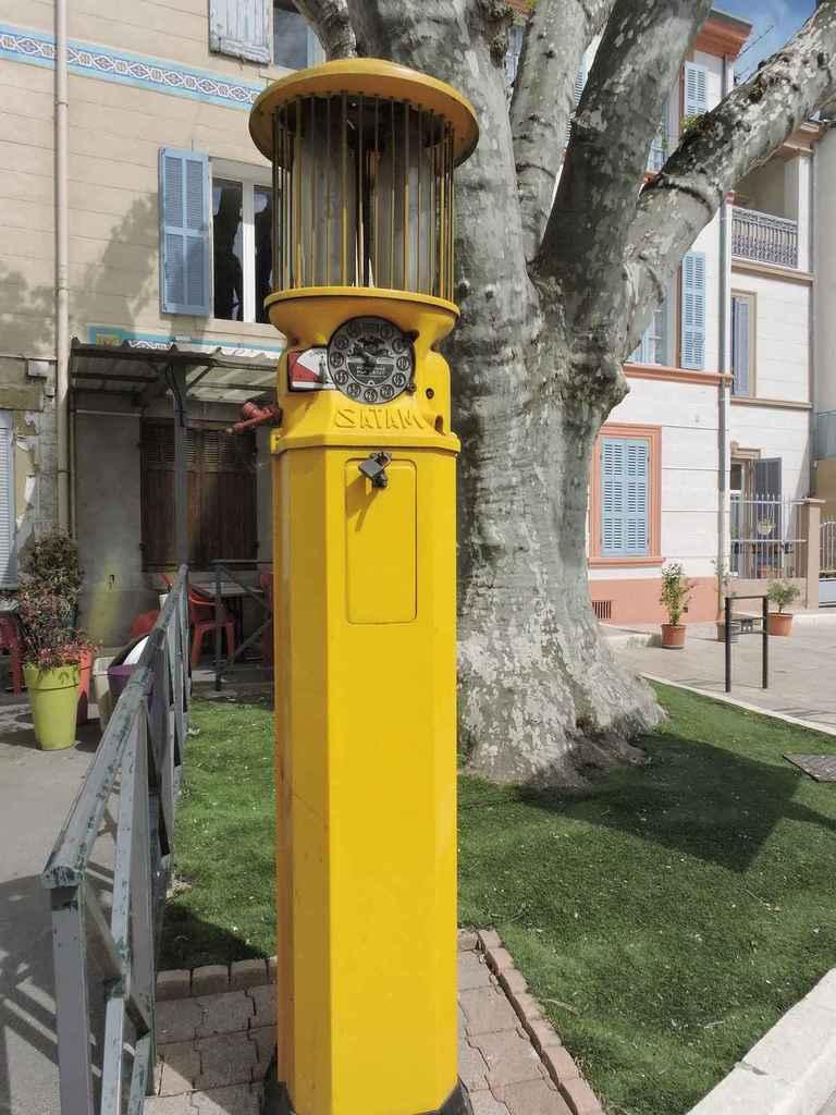 Ancienne Pompe à essence du Village Ancien14