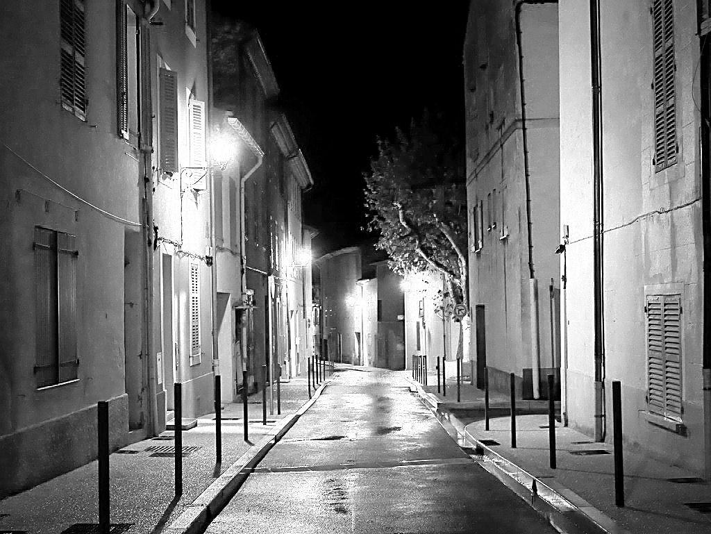 Sous la Pluie Noir_e12