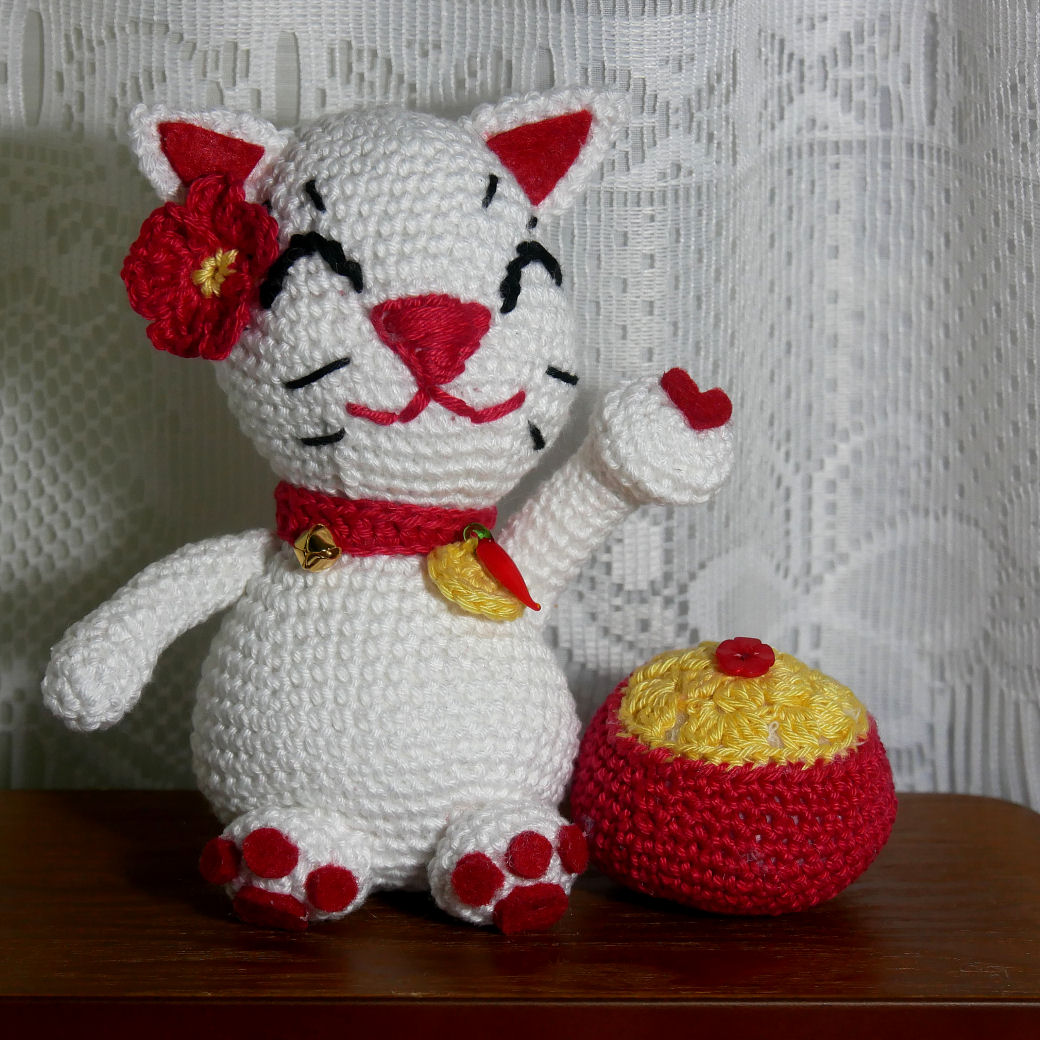 Chat Porte chance au Crochet  P1070314