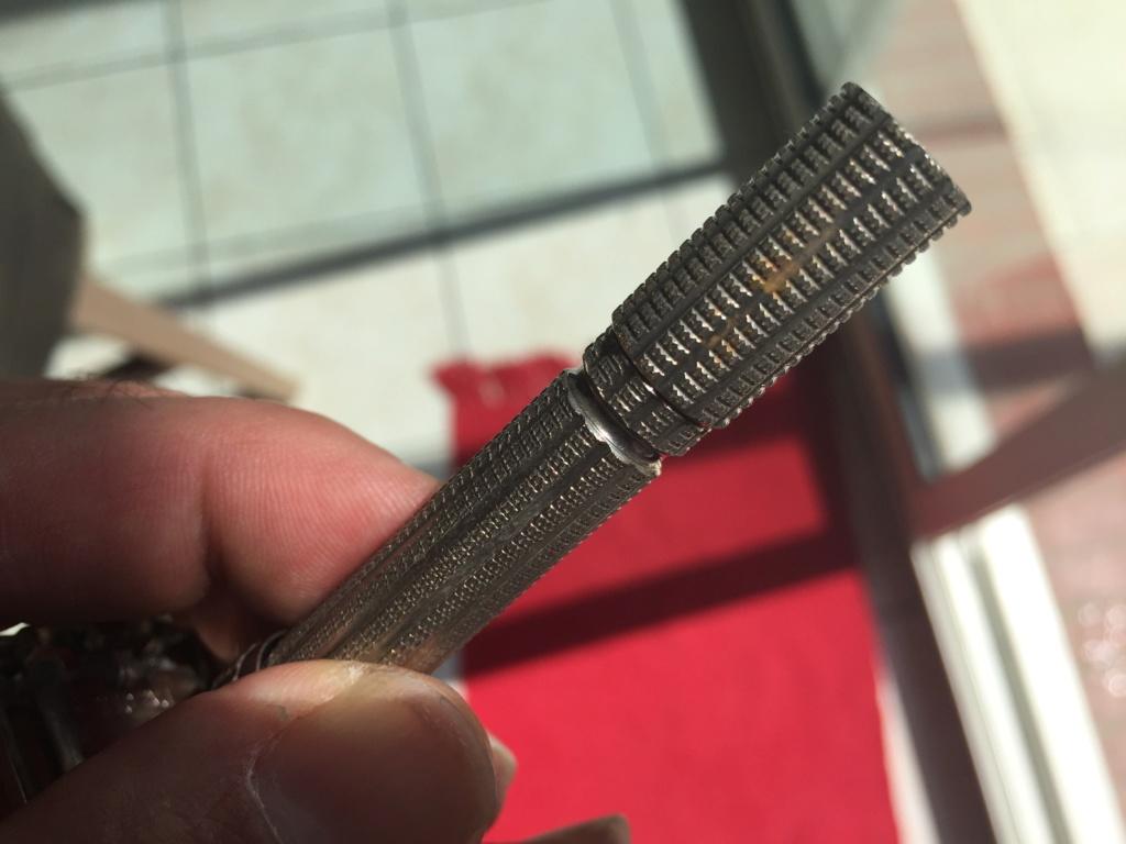 La rénovation de mon 1er rasoir vintage - Slim de 66 Bc3e3410