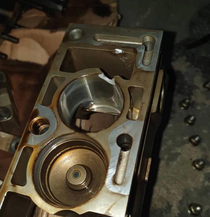 (Abandon)  [ BMW e36 325i vanos an 1994 ] avis petit pète support poussoir (Abandon) 64808710