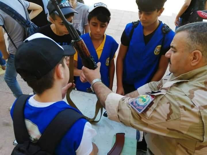 في تجاوز جديد لقرارات الأمم المتحدة بشار يدرب أطفال سوريا على السلاح 5ad59a10