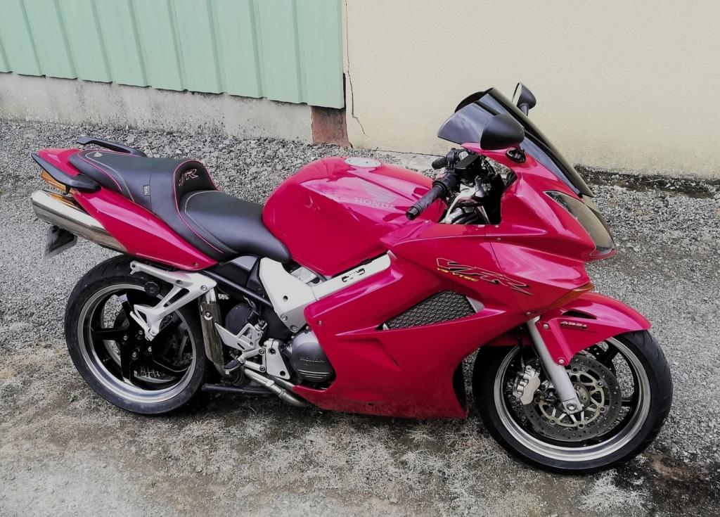 Vfr 2003 rouge  Img_2011