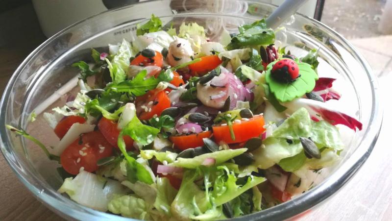 Салат с моцареллой и помидорами 2020-116