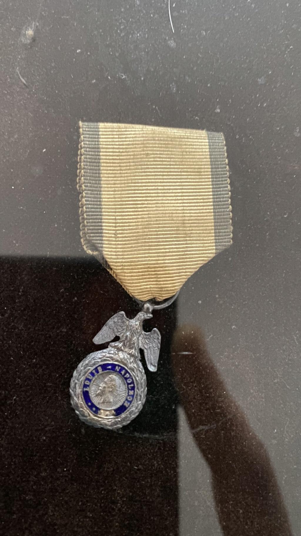 Cadre légion d'honneur et médaille militaire 5aeb5b10