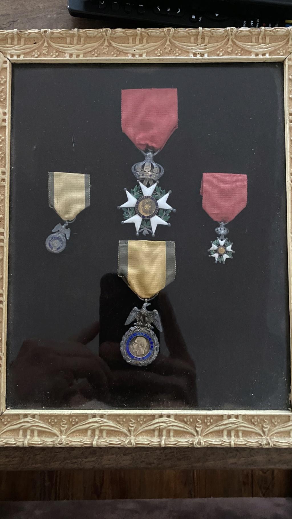 Cadre légion d'honneur et médaille militaire 6f199410