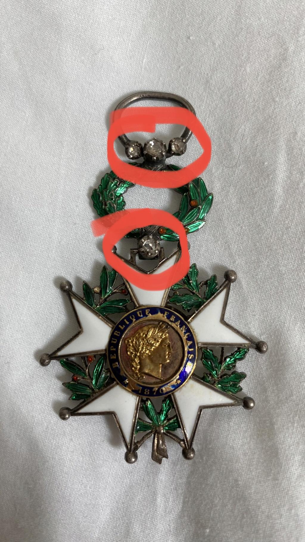Cadre légion d'honneur et médaille militaire 98bef710