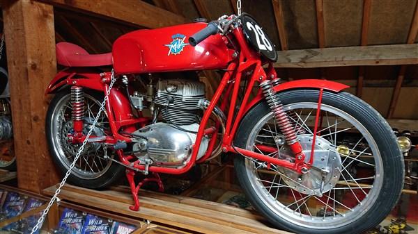 Le musée de Michel PONT à Savigny-les-Beaune Dsc_1113