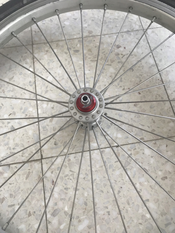 Moyeu roue avant Superlight cassé -> poubelle ? Img_2311