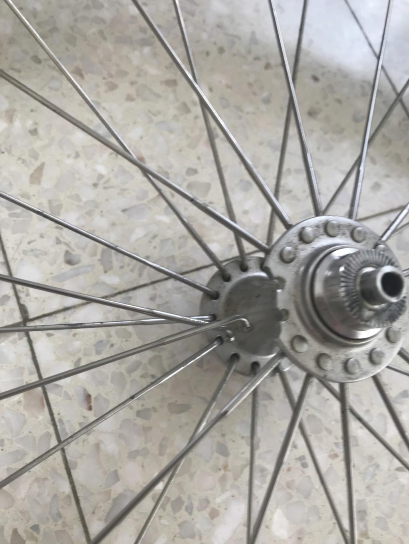 Moyeu roue avant Superlight cassé -> poubelle ? Img_4711