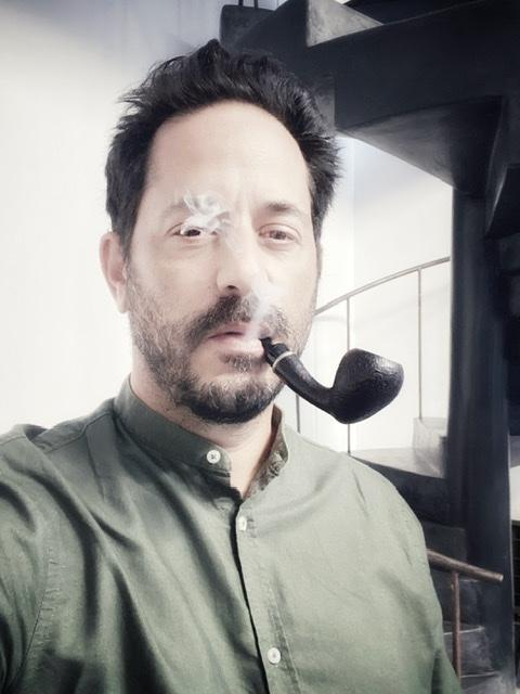 Le Samedi, c'est la Ste Bouffarde. Quoi t-est-ce qu'on fume ?  00212410