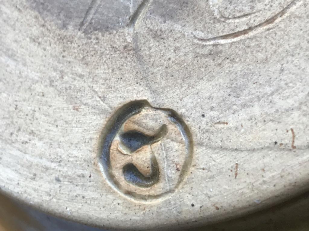 Isle of Wight stoneware vase Fkum7z10