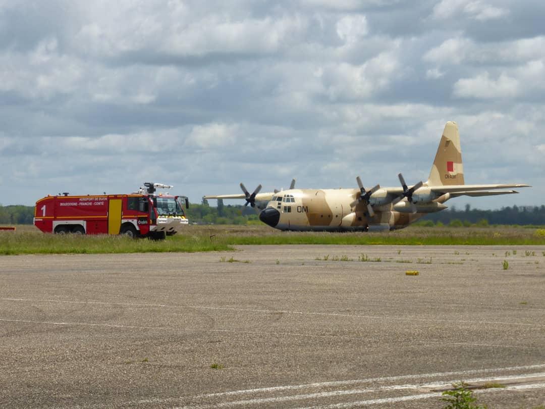 FRA: Photos d'avions de transport - Page 42 18734511