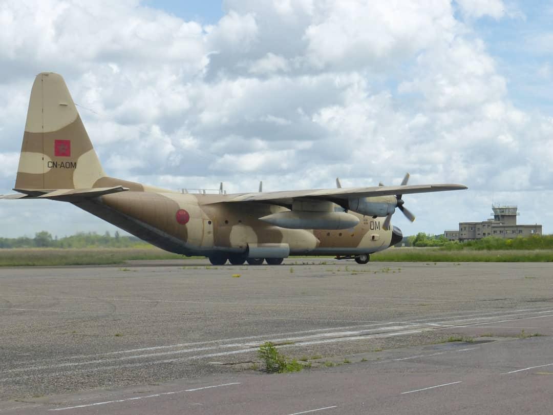 FRA: Photos d'avions de transport - Page 42 18740310