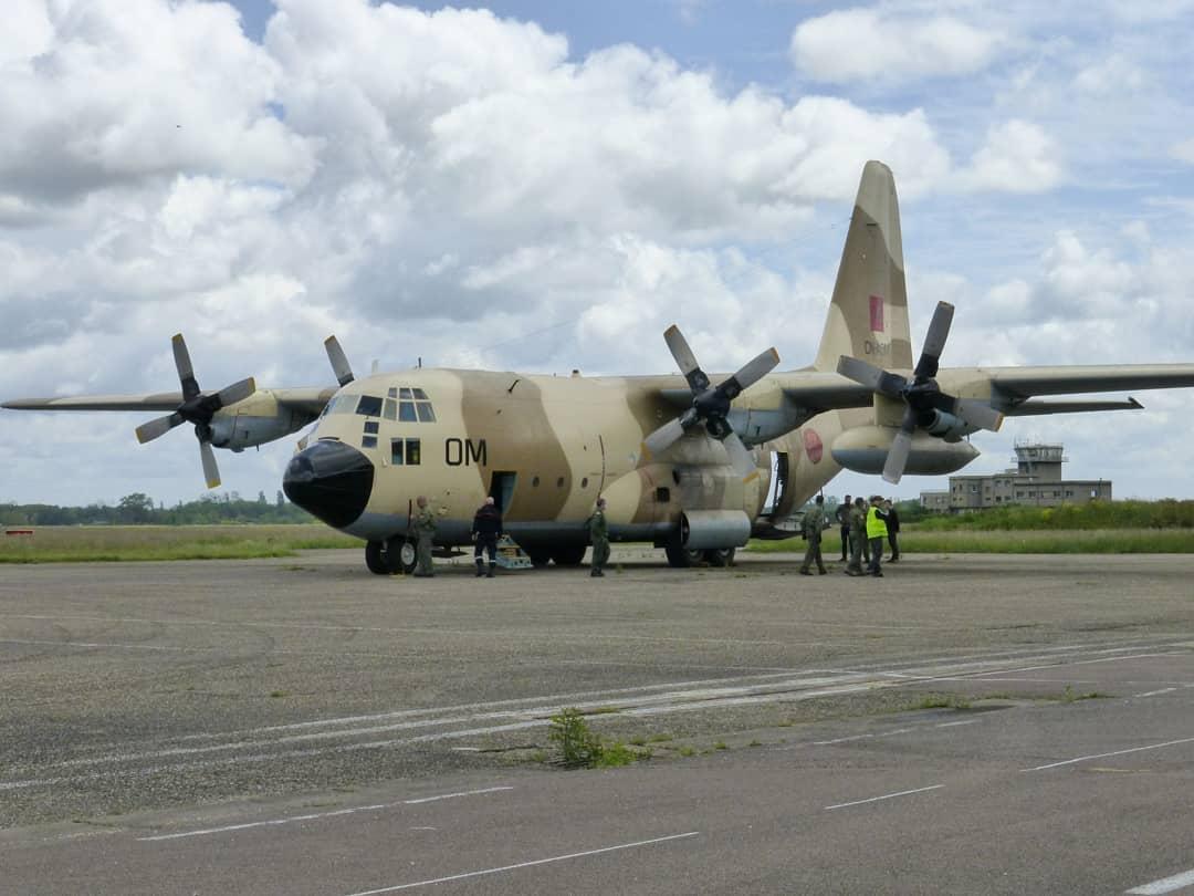 FRA: Photos d'avions de transport - Page 42 18808310