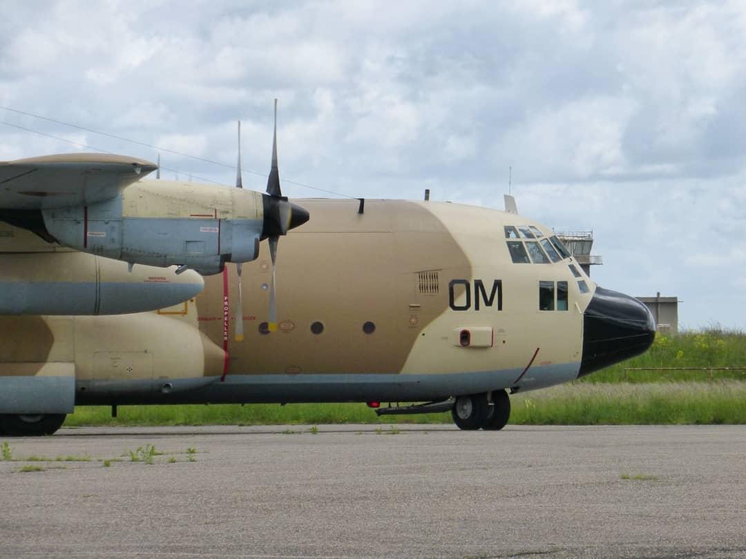 FRA: Photos d'avions de transport - Page 42 18843910