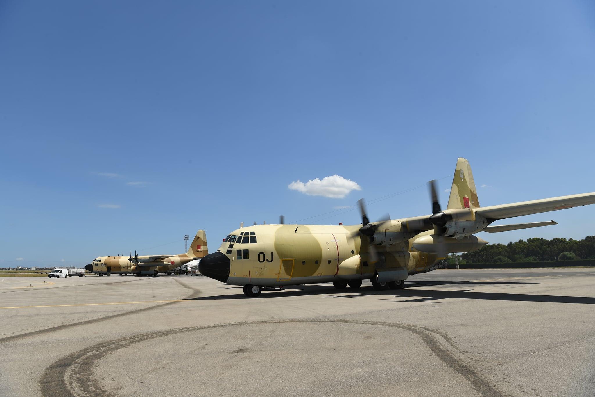 FRA: Photos d'avions de transport - Page 43 Aoj-10